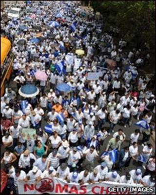 تظاهرات مخالفان چاوز در هندوراس