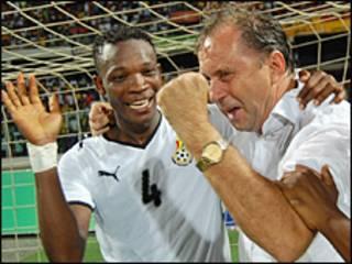 Dan wasan Ghana, John Pantsil tare da kocin kasar Milovan Rajavec