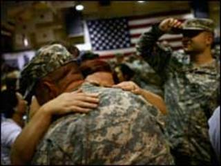 ترحيب في كولورادو بجندي عائد من العراق