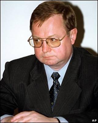 Глава Счетной палаты Сергей Степашин заявил во время рабочего визита в Барнаул, что в связи с кризисом и резким сокращением доходов бюджета его ведомство предложило вернуться к прогрессивной шкале налогообложения.