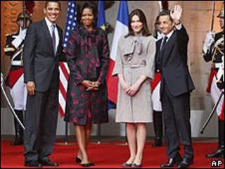 Foto de archivo de Sarkozy y Obama, con sus respectivas esposas