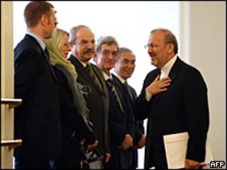 El ministro de extreriores iraní con los miembros de la ONU