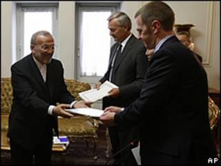 El ministro de Relaciones Exteriores de Irán presenta el paquete de propuestas