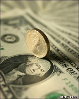 Un dólar y una libra esterlina
