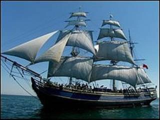 """Réplica del HMS Bounty usado en la trilogía """"Piratas del Caribe"""""""