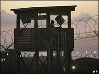 Torre de vigilancia del centro de detención de Guantánamo