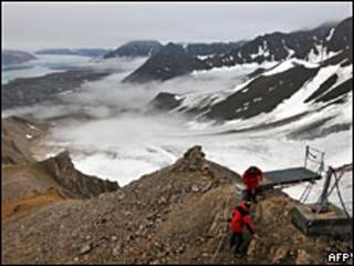 Ученые изучают состояние арктического льда