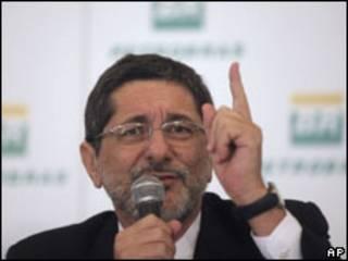 O presidente da Petrobras, Luiz Sergio Gabrielli, disse ter ficado satisfeito
