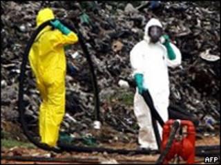 Limpieza tras vertido de desechos tóxicos