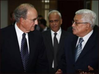 جورج ميتشل في لقاء مع محمود عباس
