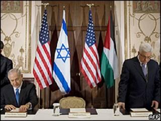 Benjamin Netanyahu y Mahmoud Abbas