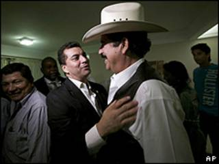 El candidato Elvin Santos y Zelaya.
