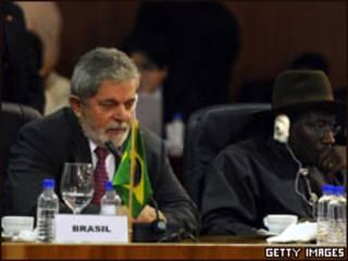 O presidente Luiz Inácio Lula da Silva na abertura da  2ª Cúpula América do Sul - África