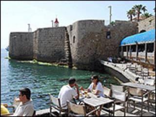As muralhas da cidade de Aco, em Israel