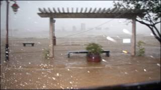 Bão Ketsana hay bão số 9 đang đổ vào Đà Nẵng
