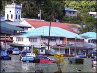 A cidade de Fagatogo após o tsunami