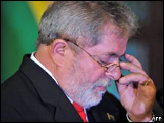 O presidente Luiz Inácio Lula da Silva durante visita a Bruxelas neste domingo (AFP)