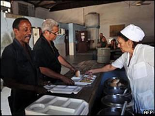 Comedor estatal en Cuba