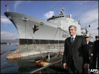 El Somme y el ministro de Defensa de Francia en 2007, Herve Morin.