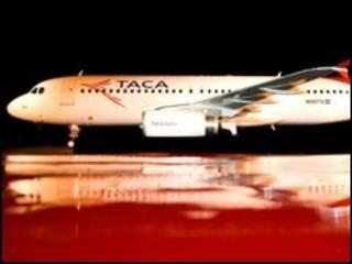 Avión de Taca