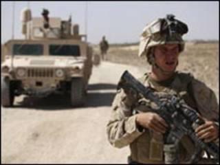 جندي مارينز أمريكي