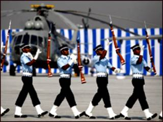 भारतीय वायुसेना का हेलीकॉप्टर दुर्घटनाग्रस्त