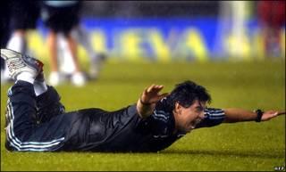Maradona vui mừng trước cơ hội của đội tuyển