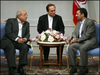 احمدی نژاد و فهمی هویدی - سایت ریاست جمهور