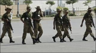 Soldados paquistaneses