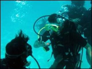 تمرین غواصی در مالدیو