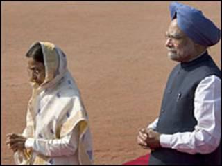 प्रतिभा देवीसिंह पाटिल और मनमोहन सिंह (फ़ाइल फ़ोटो)