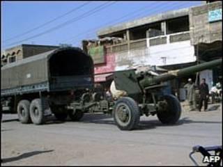 Tanque do Exército paquistanês no Waziristão do Sul