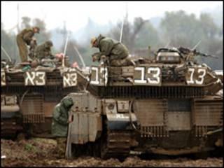 دبابات اسرائيلية