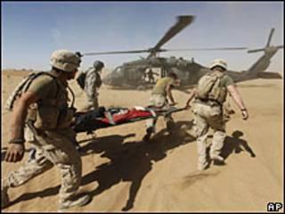 Военный вертолет в Афганистане