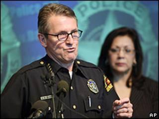 David Kunkle, chefe da polícia de Dallas, durante entrevista