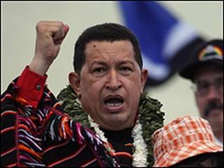 يشوب التوتر علاقات تشافيز مع الرئيس الكولومبي الفارو اوريبي الحليف الاول لواشنطن في المنطقة