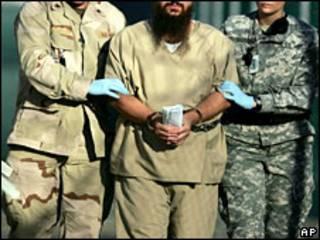 Prisionero en Guantánamo (foto archivo)