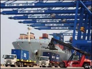 中国天津港卸货