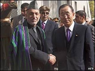بان كي مون وحامد كرزاي في كابول