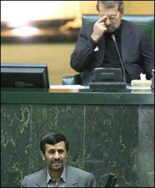 علی لاریجانی، رئیس مجلس شورای اسلامی ایران و محمود احمدی «زاد، رئیس جمهوری ایران