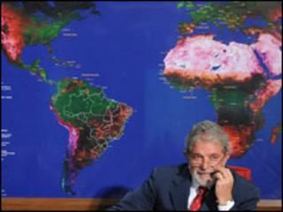 O presidente Luiz Inácio Lula da Silva na reunião para definir as metas que o Brasil levará à COP-15 (Foto: Antônio Cruz/ABr)