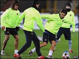 تدريبات لاعبي برشلونة في كازان