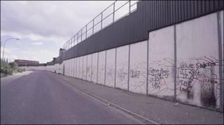 "Белфаст: ""линии мира"""