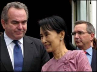 лидера бирманского продемократического движения Аун Сан Сучжи