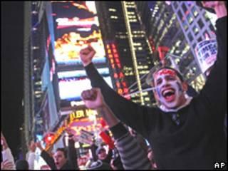 Seguidores de los Yankees de Nueva York celebran en esa ciudad