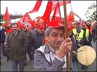 Trabajadores de Opel en huelga