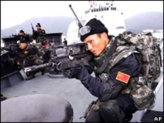 चीनी नौसैनिक