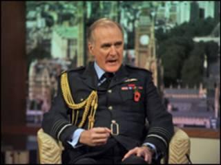 رئيس الأركان البريطاني، السير جوك ستيراب