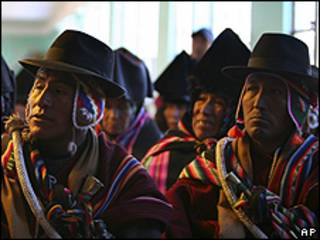 Bolivianos indígenas del pueblo Jesús de Machaca
