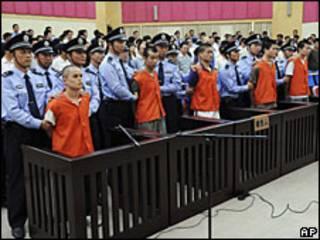 Detenidos por revueltas uigur frente al tribunal